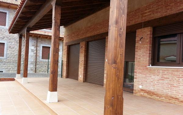 Obras realizadas en madera for Pilares y columnas
